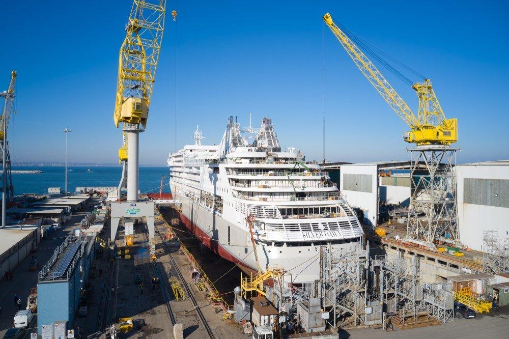 crucero de lujo Silver Dawn en los astilleros Fincantieri de Ancona