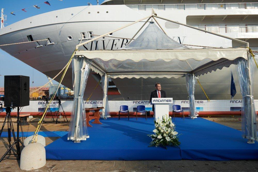 Proa del crucero de lujo Silver Dawn de Silversea Cruises