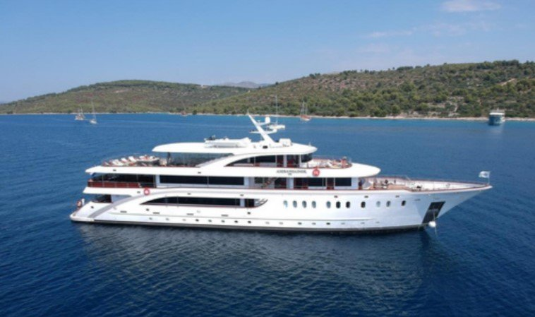 cruceros en yate ambassador