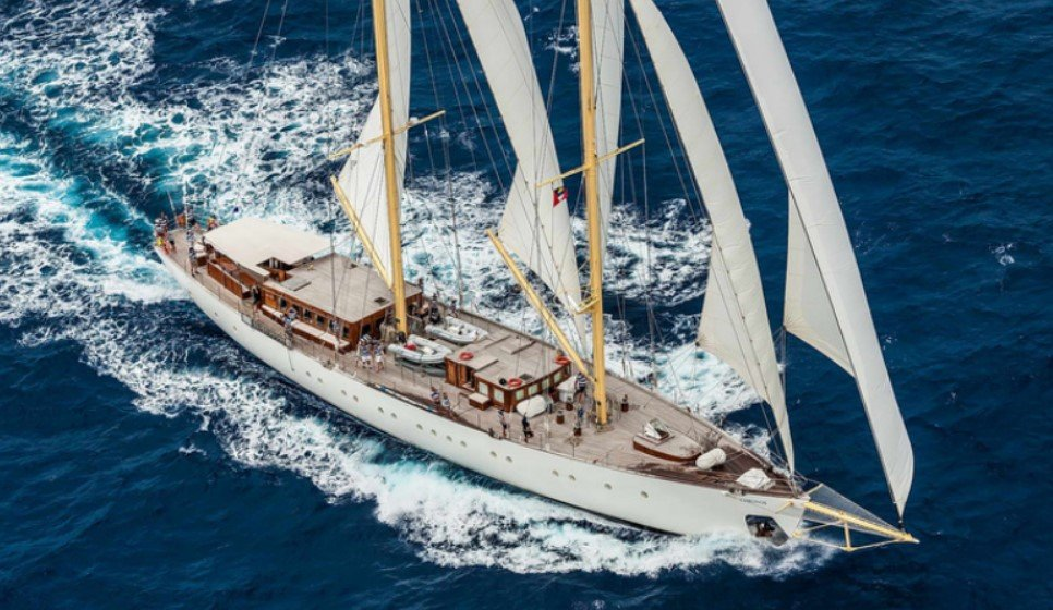 cruceros en velero Rhea